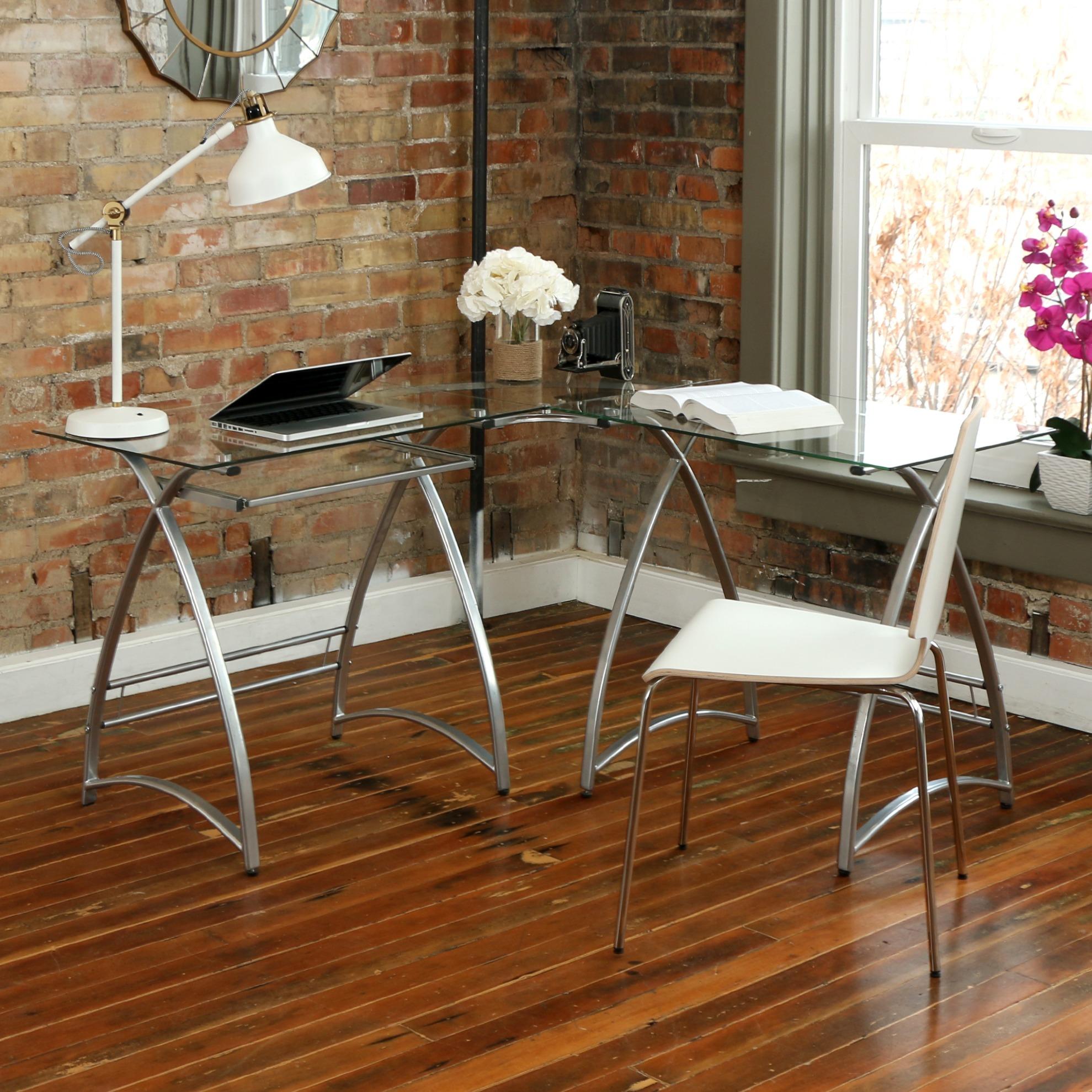 Specially Designed Office Desk Idea