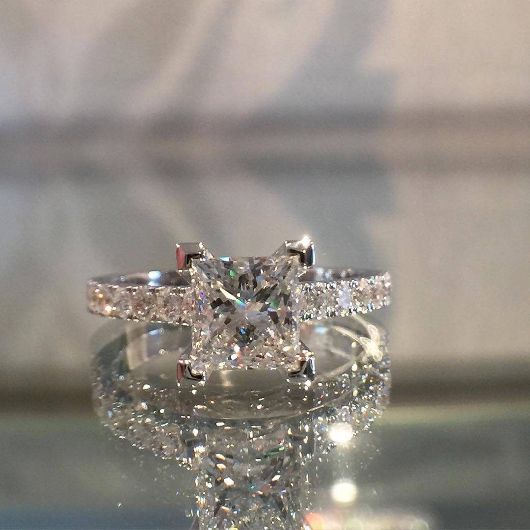 Awesome Engagement Ring Princess Cut