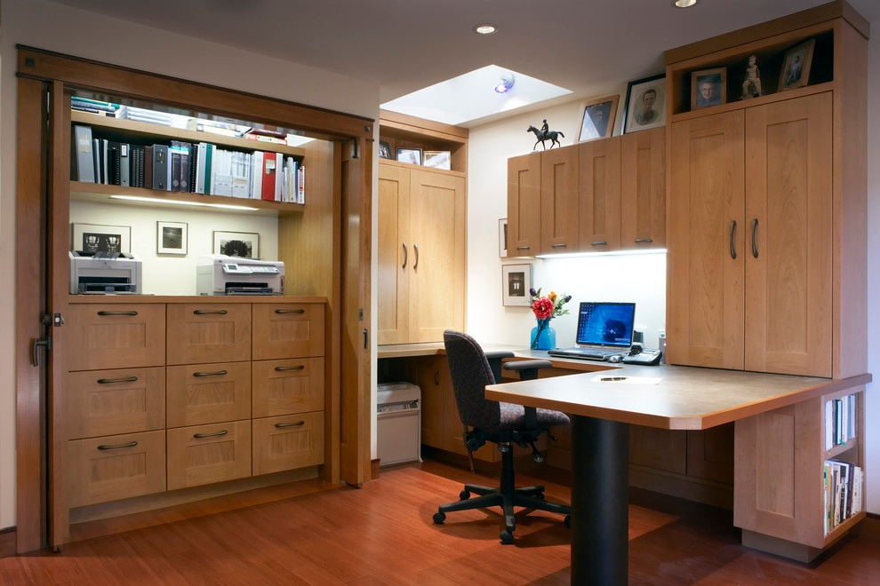19 contemporary office designs decorating ideas design for Small home office design layout ideas
