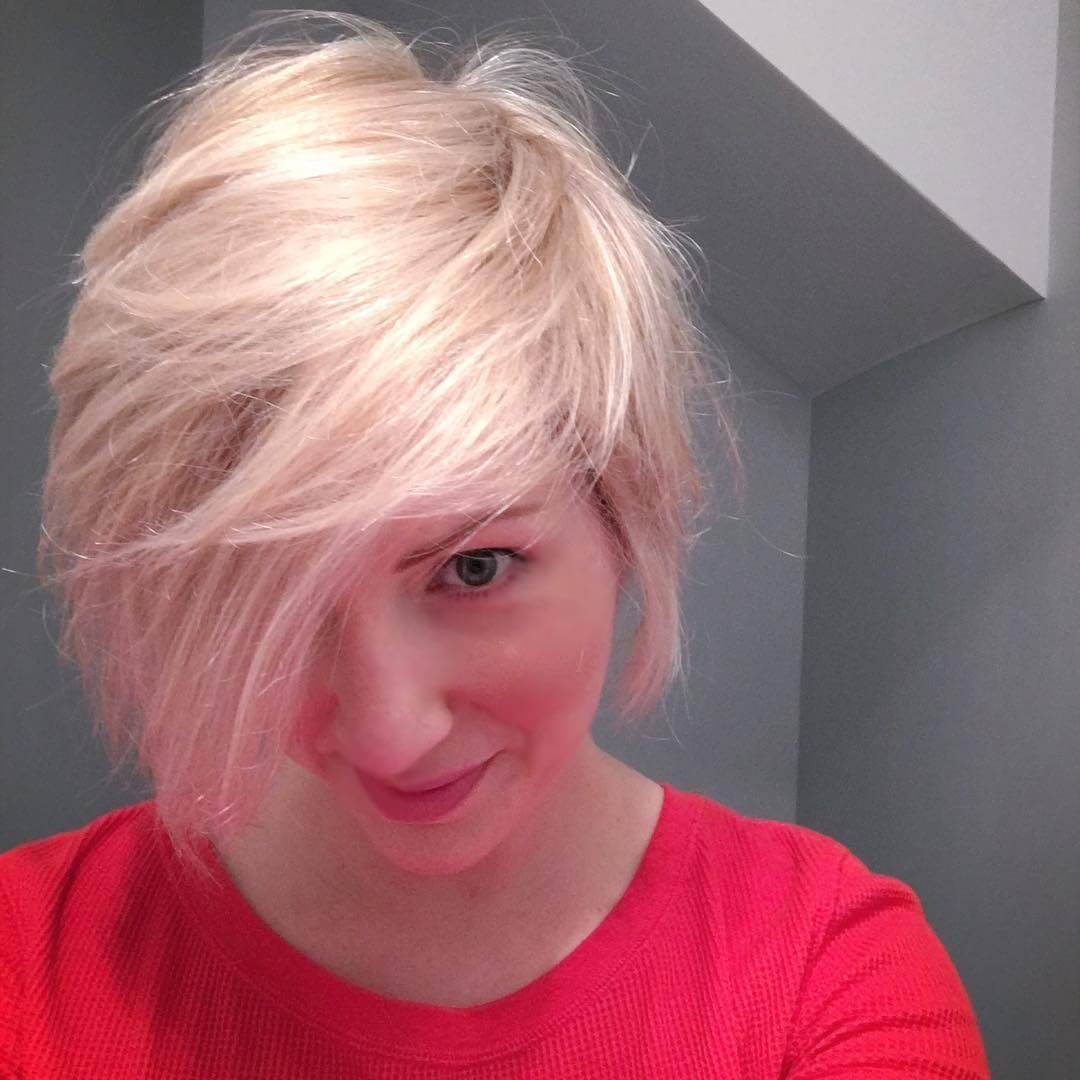 Modern White Pixie Haircut (1)