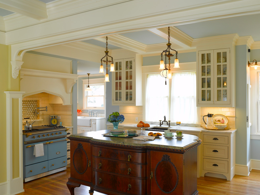 Royal Victorian kitchen french made