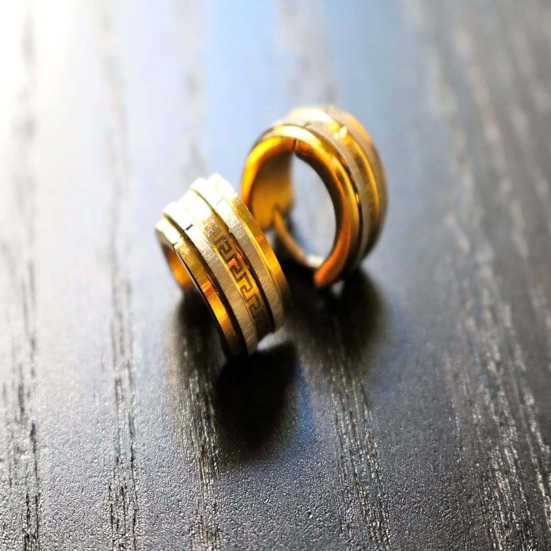 yellow gold men earrings 1
