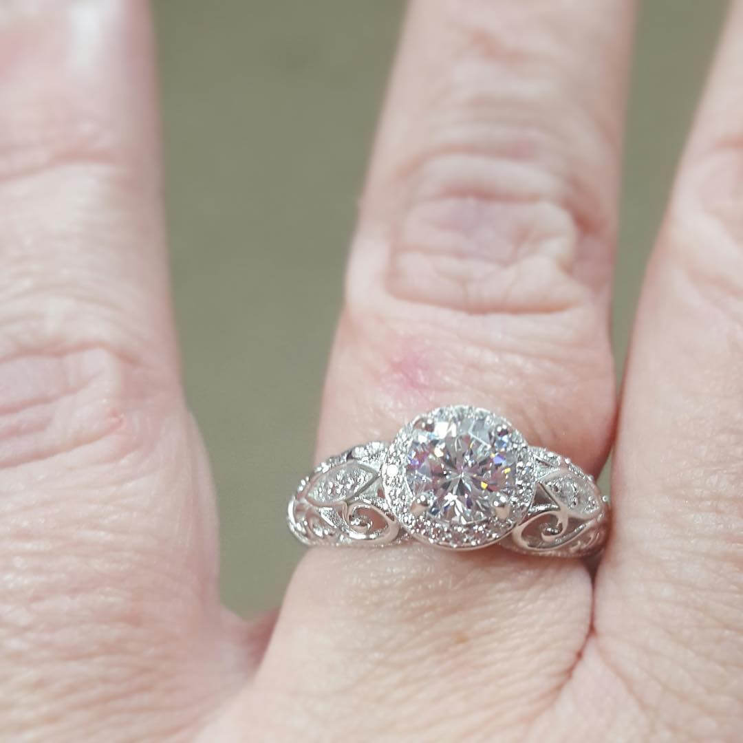 Awesome Diamond Engagement Ring