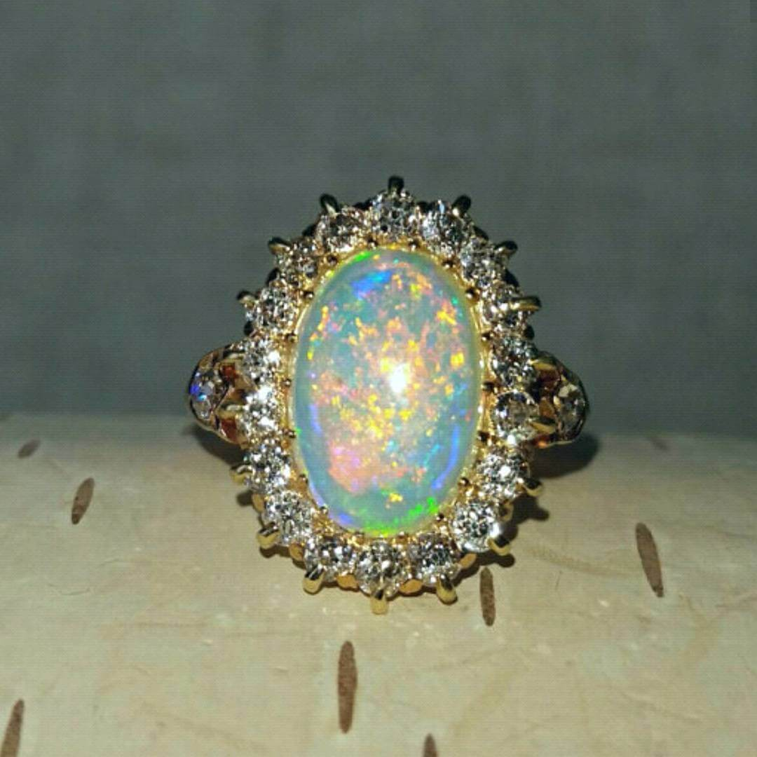 Amazing Vintage Style Opal Ring