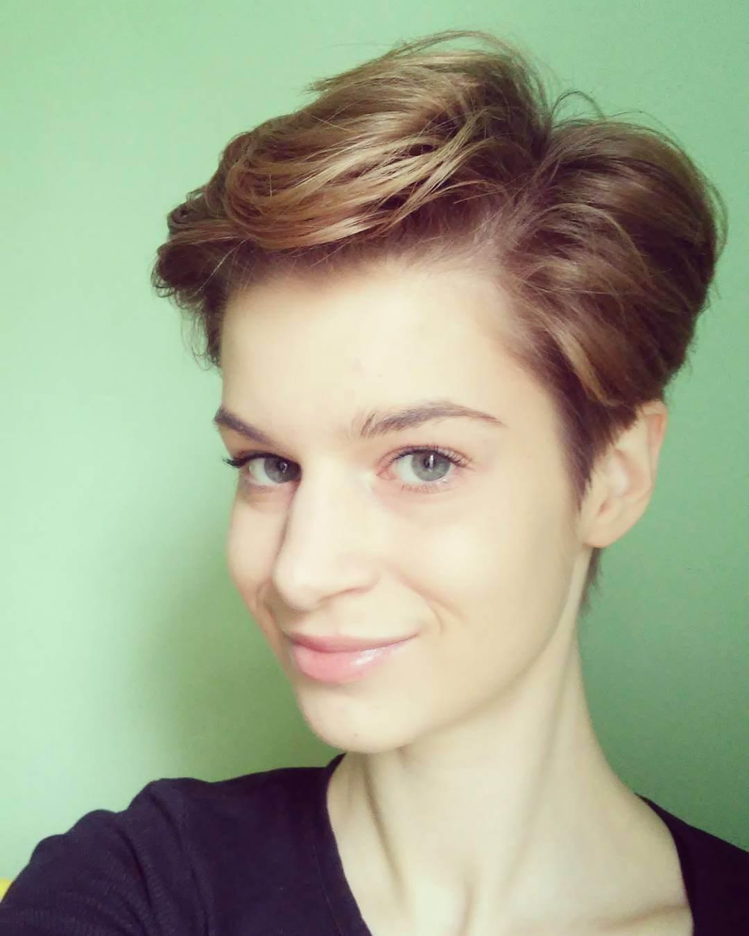 Fabulous Wavy Pixie Cut (1)