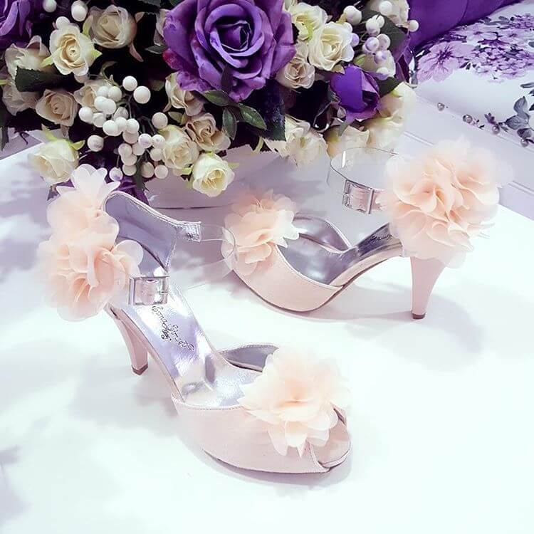 pretty pink wedding shoes for bride