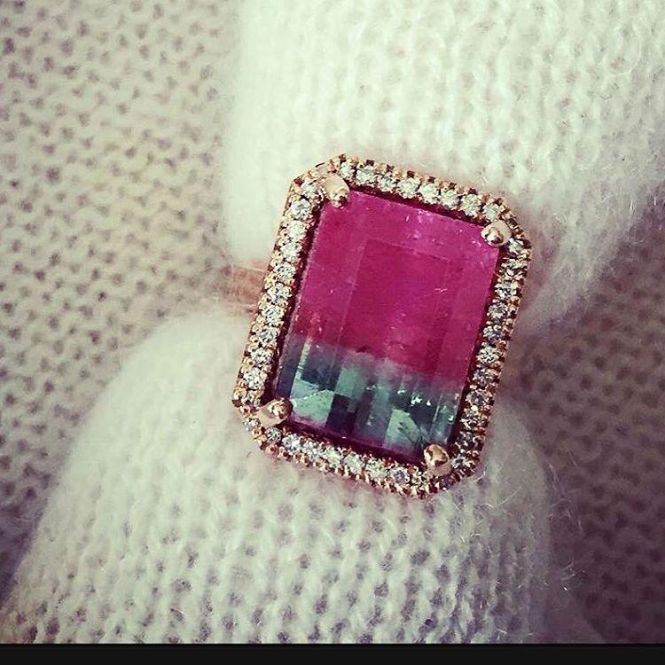 wonderful antique style engagement ring