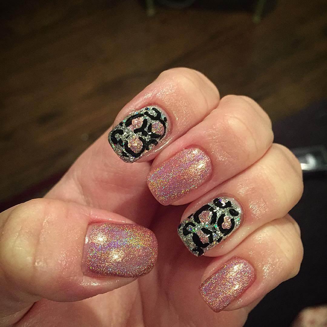 Light Pink Leopard Nail (1)
