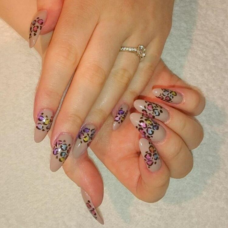 Long Leopard Nail Art (1)