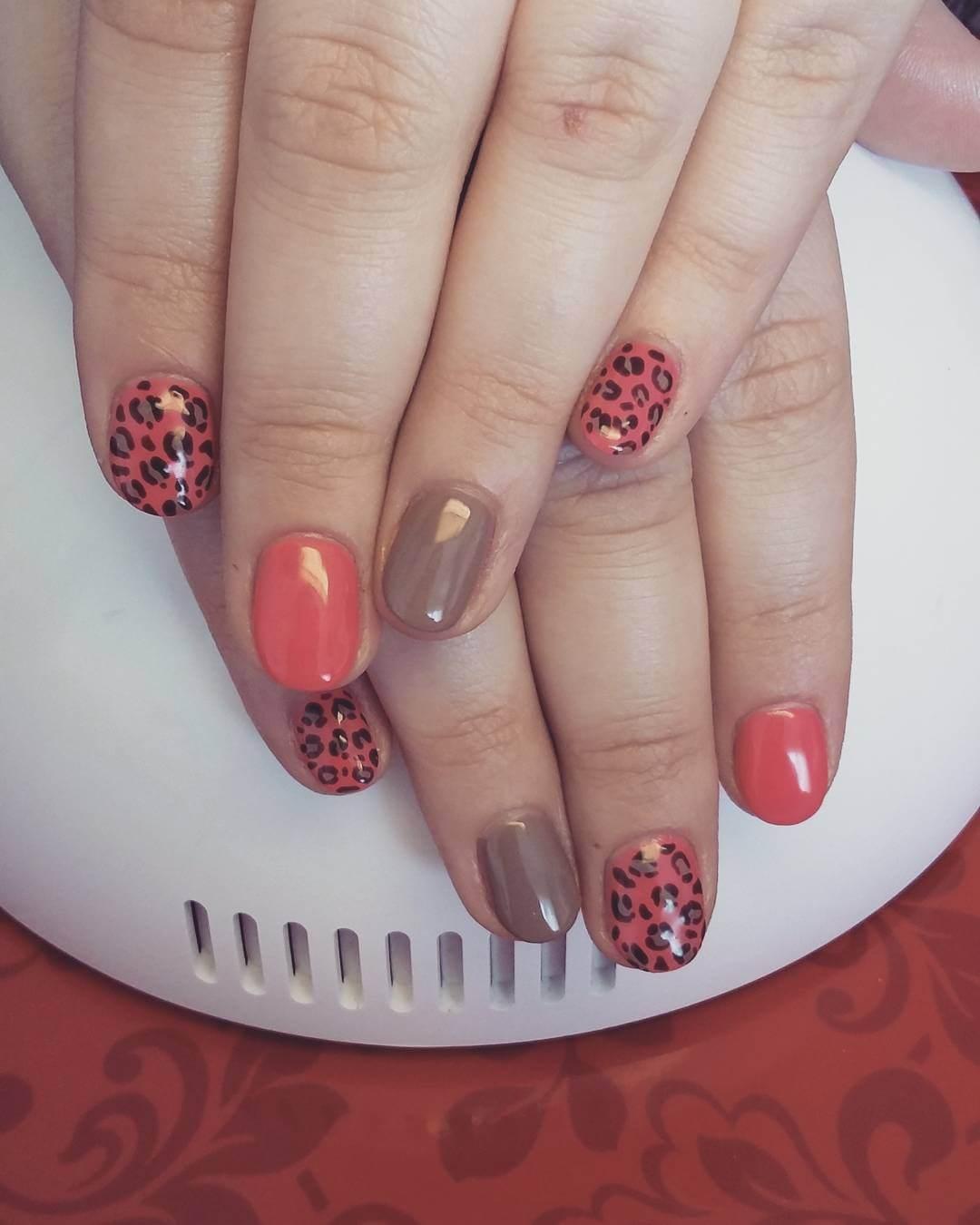 Classy Leopard Nail Designs (1)