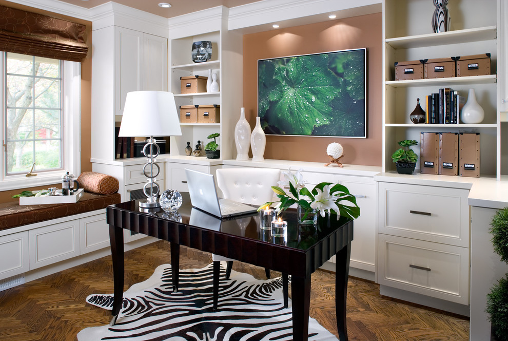 Large Contemporary Home Office In Toronto