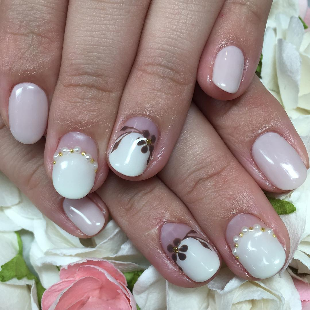 fabulous short fake nail design