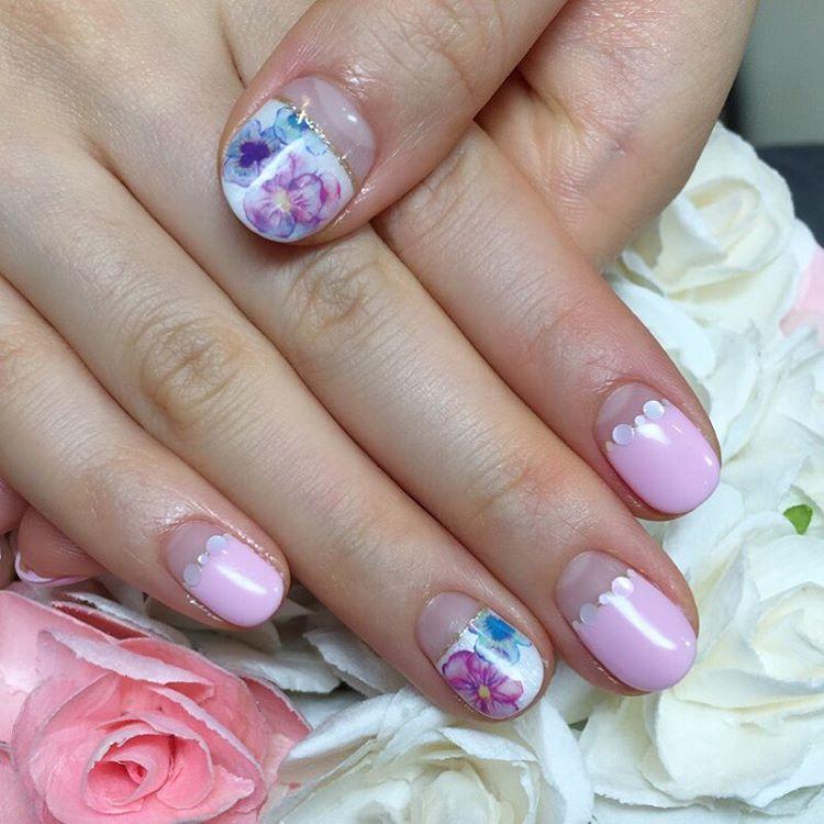 Flower Round Nail Design