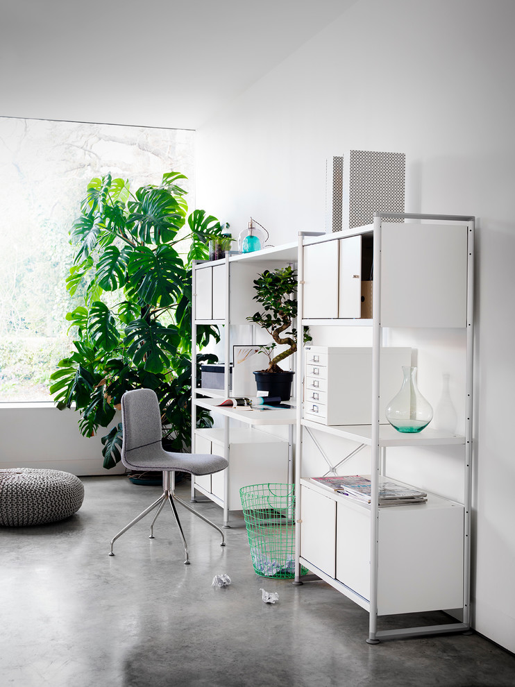 Trendy Small Office Design