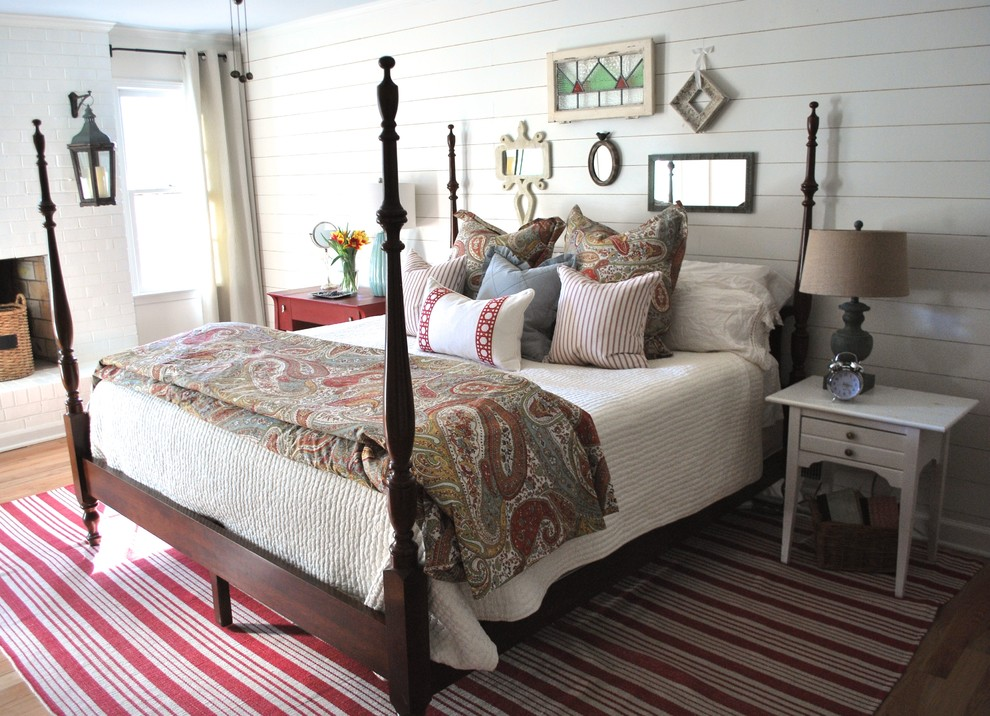 19 vintage elegant bedroom designs decorating ideas for Farmhouse style bed