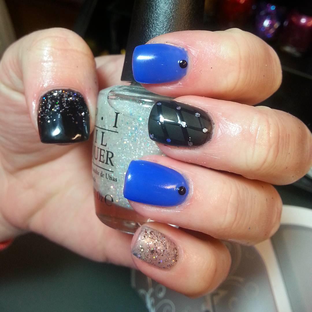 gray and royal blue nail art