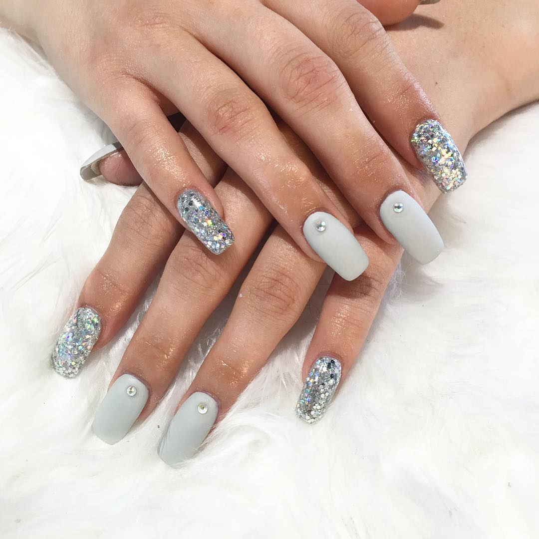 Sliver and White Nail Art - 20+ White Nail Art Designs, Ideas Design Trends - Premium PSD