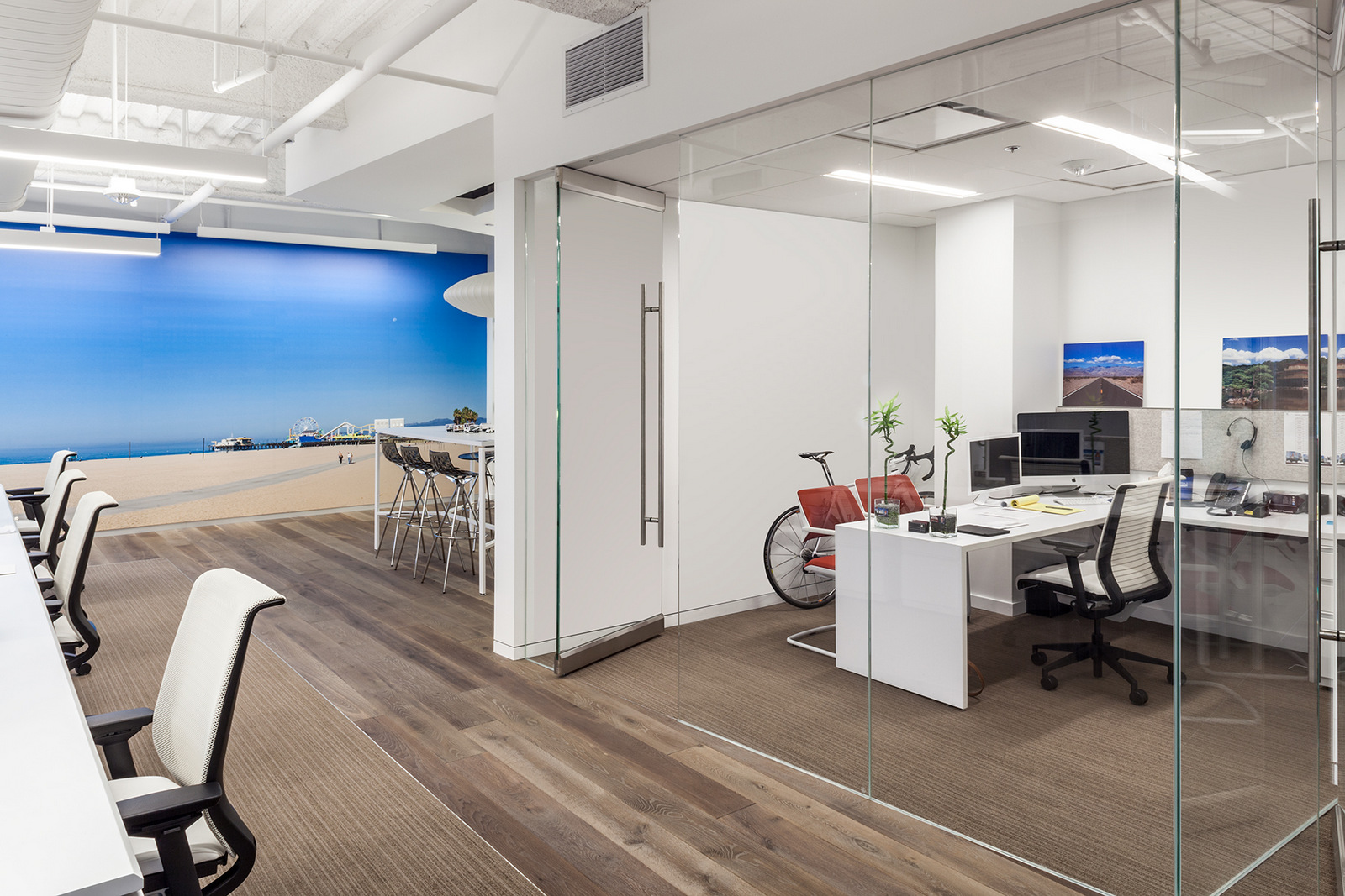 Groovy 19 Office Workspace Designs Decorating Ideas Design Trends Largest Home Design Picture Inspirations Pitcheantrous