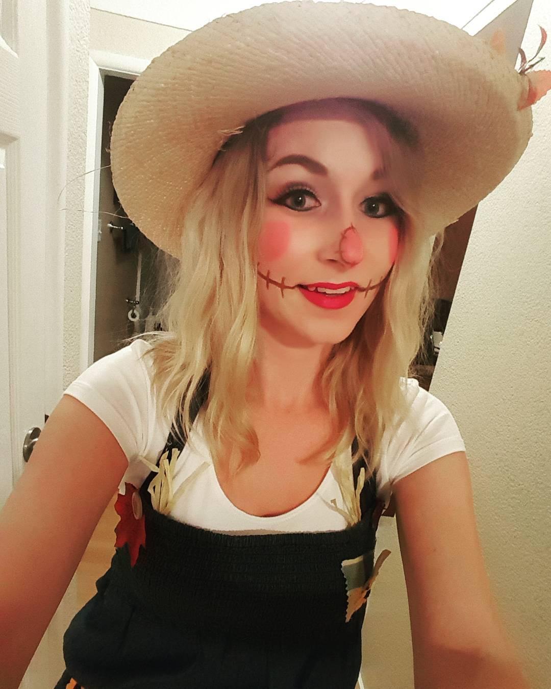 scarecrow costume design