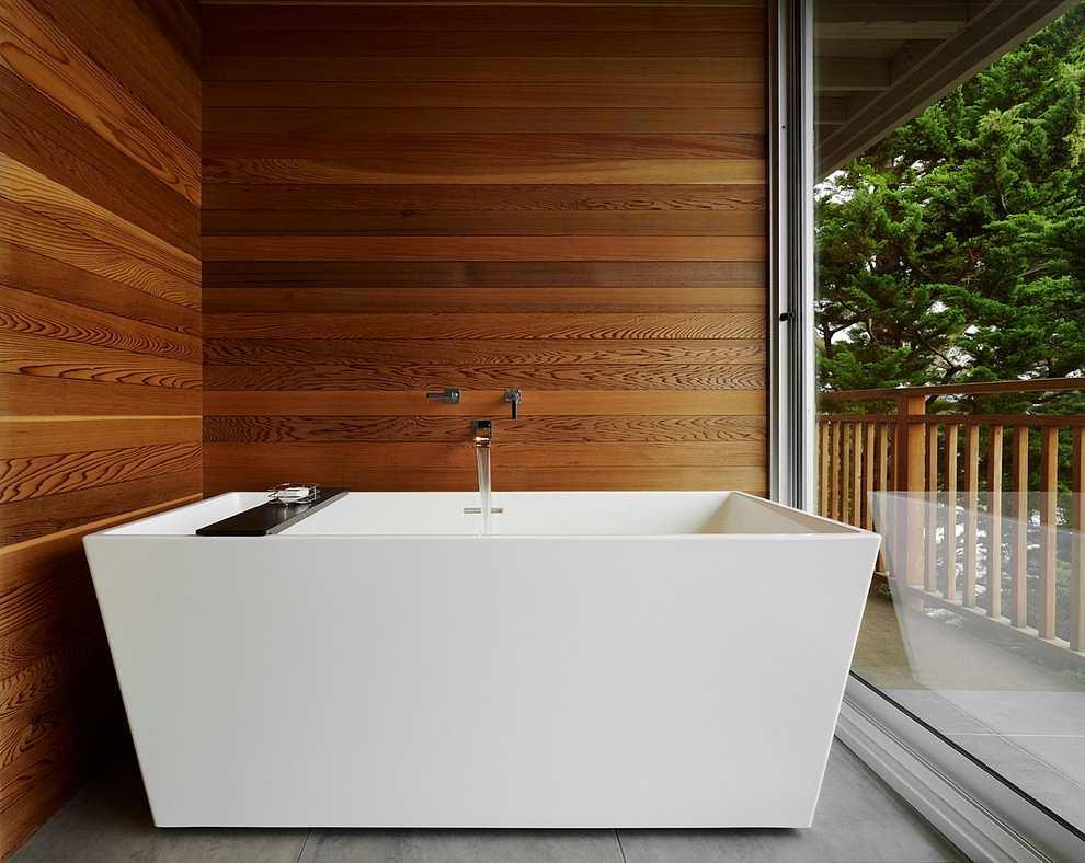 Luxurious Bath Tub Model