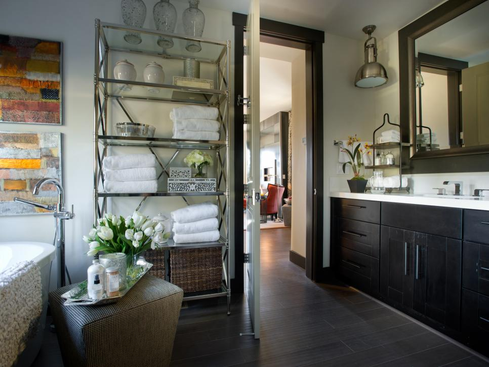 Contemporary Master Bathroom With Storage