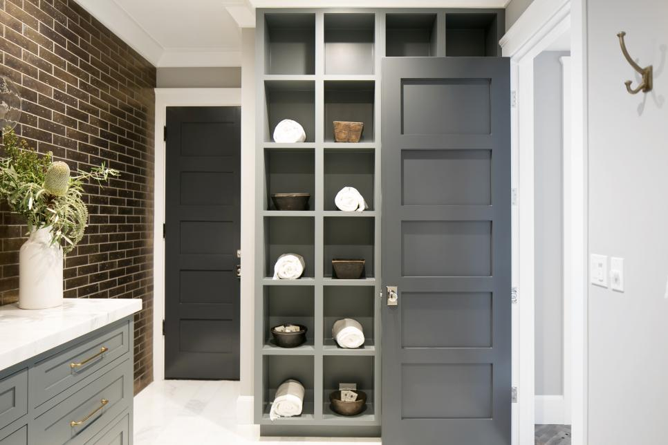 Bathroom Offers Built-In Storage Cubbies