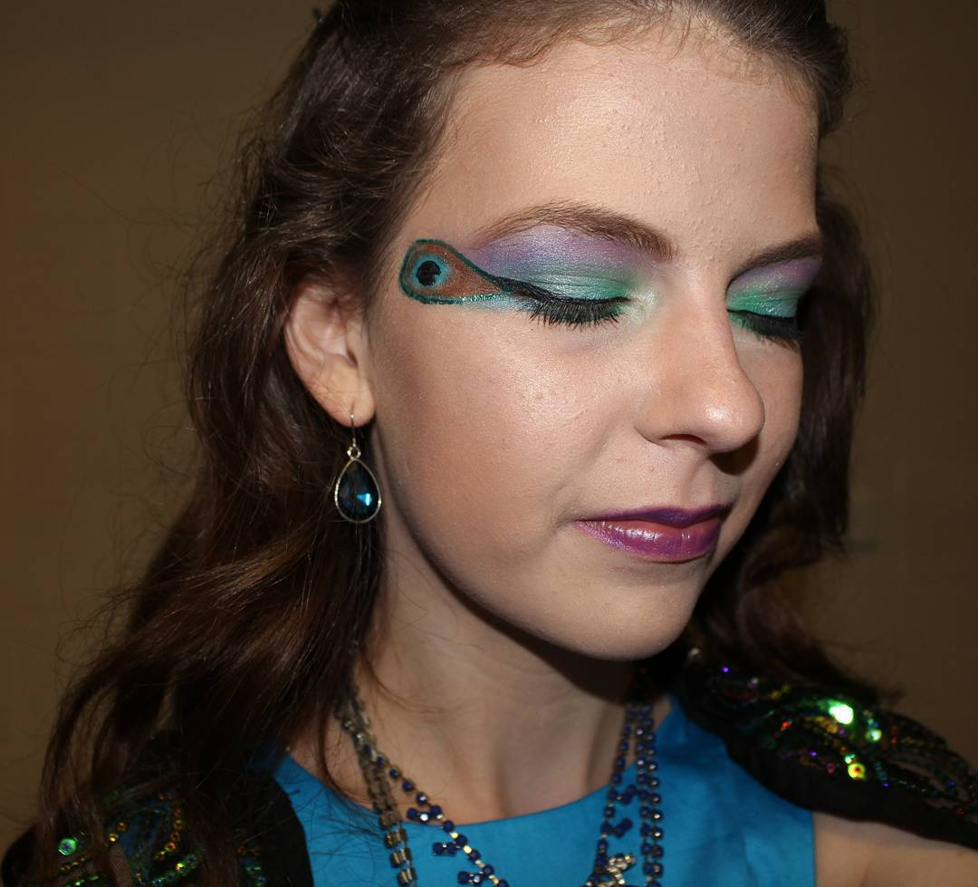 Peacock Feather Eye Makeup Design.