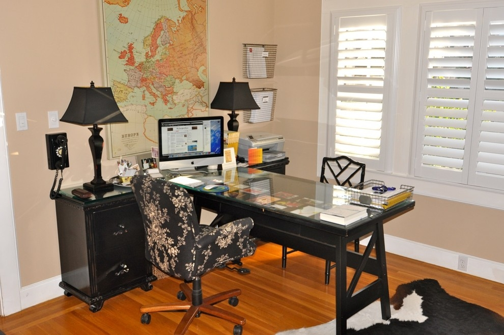 small transitional home office design idea