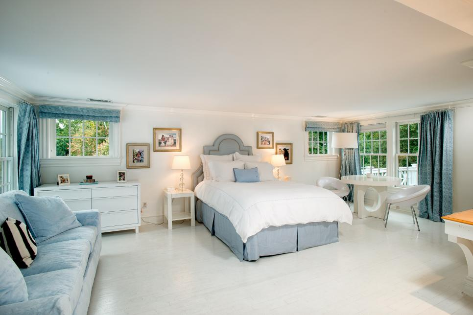Soft Blue Designs for Classic Bedroom