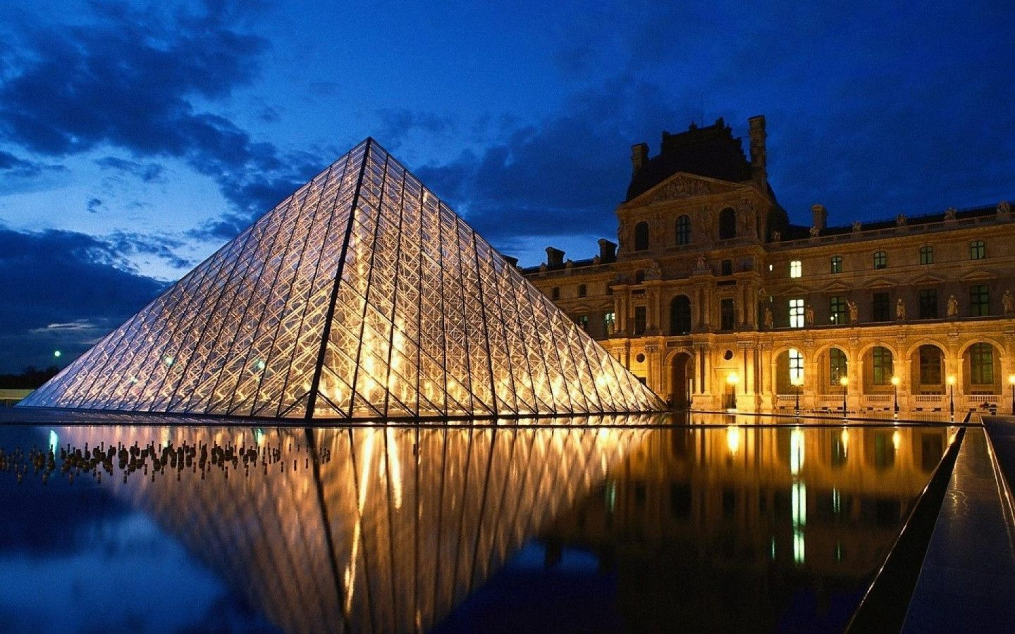 Louvre Paris Desktop Background