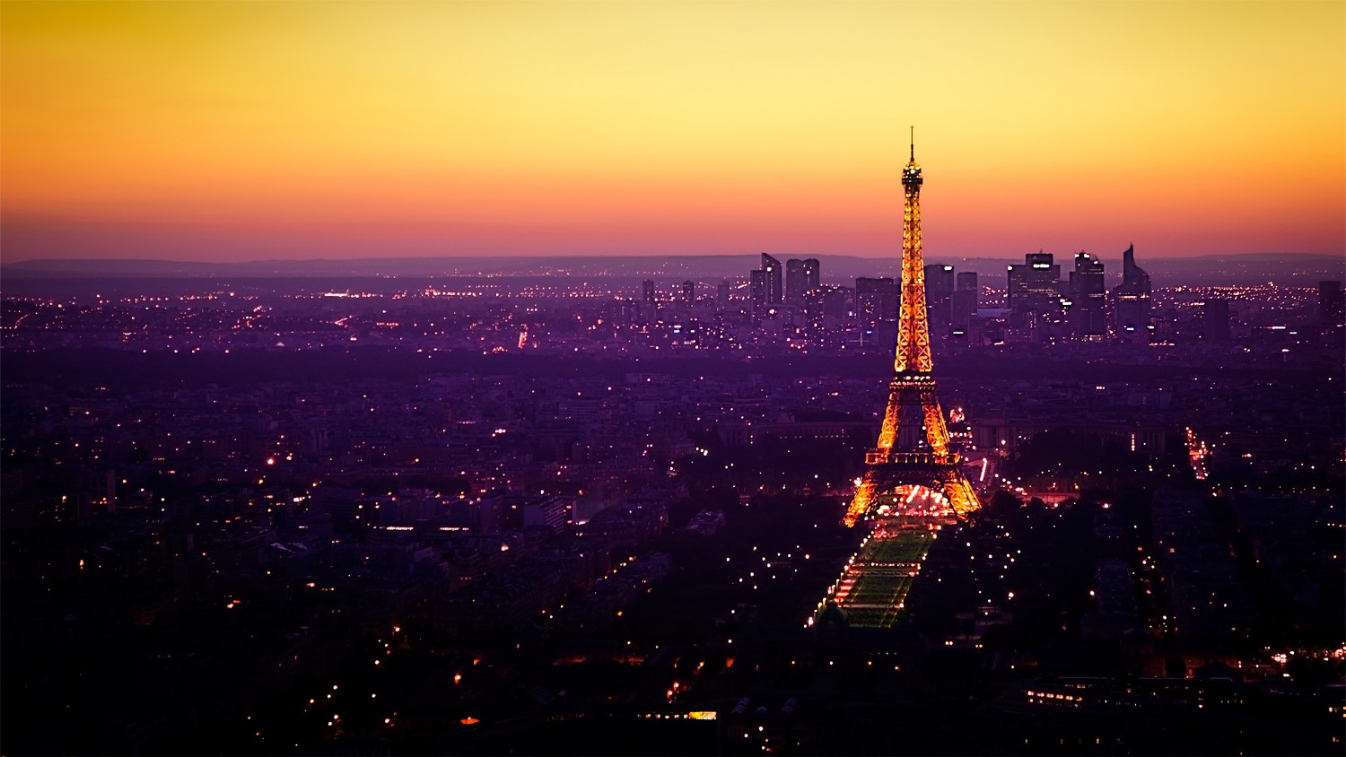 Beautiful Paris Themed Wallpaper