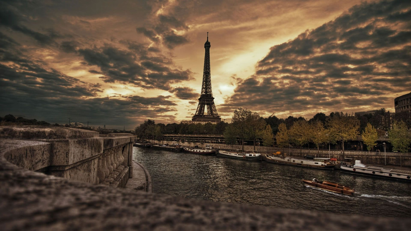Cute Paris Wallpaper for Desktop