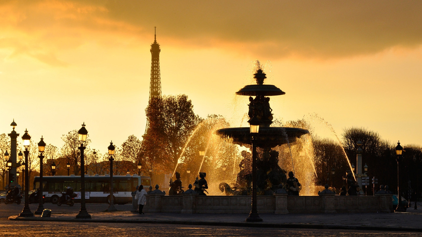 Fabulous Paris Wallpaper with Sunset