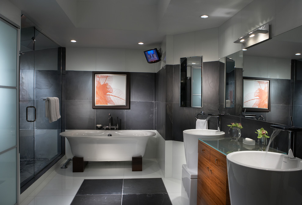 Bathroom with Grey Wall Lighting