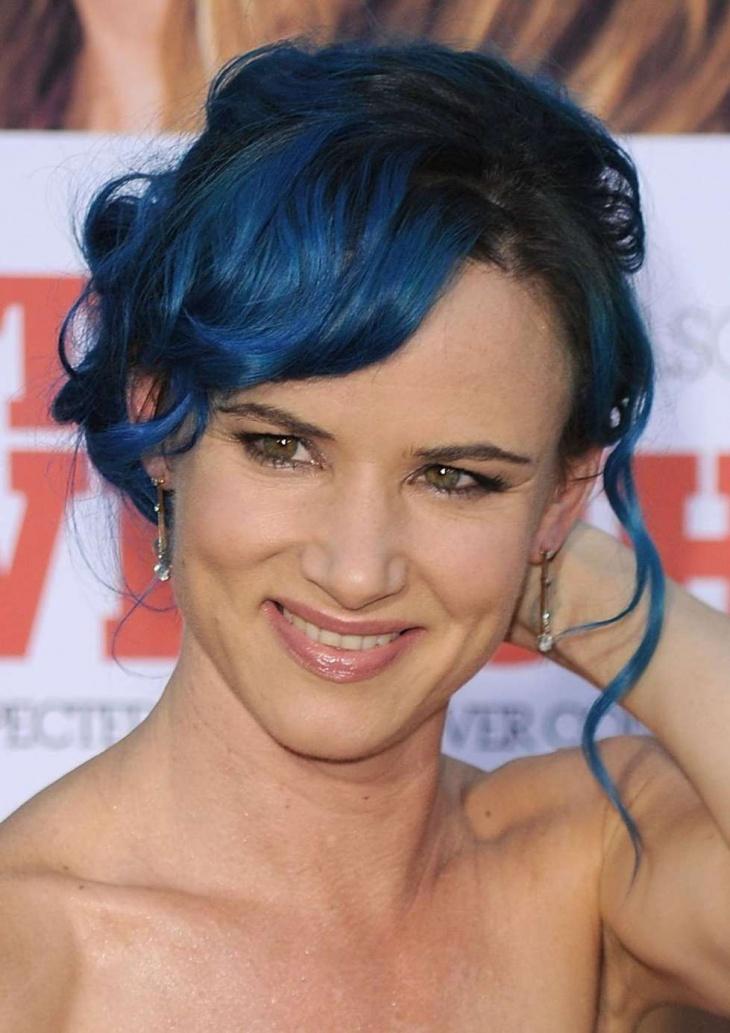 colore-pazzo-per-capelli-blu