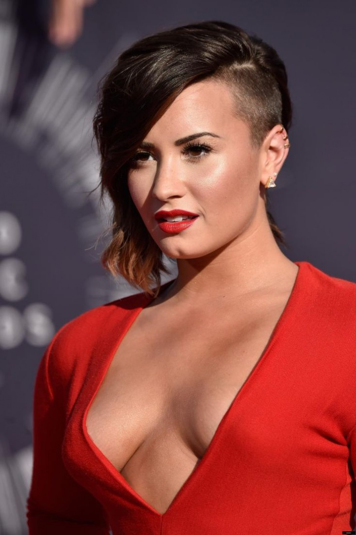 demin lovato side fade hairstyle