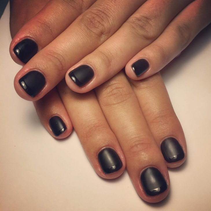 black nail paint design for short nails
