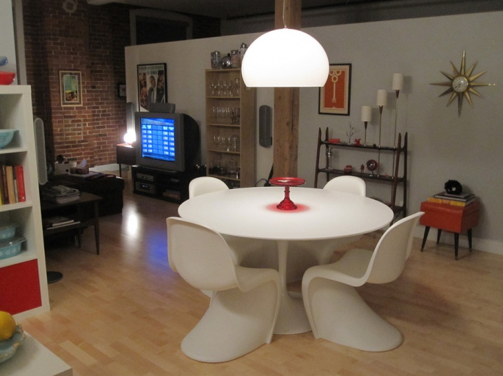 Modern Furnitured eclectic dining room