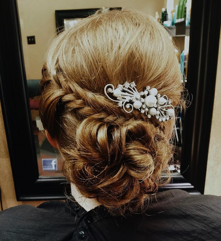 Short Wedding Twisted Hairstyle