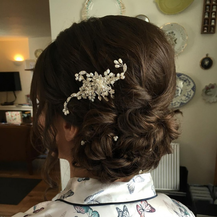 Stunning Short Wedding Hairstyle