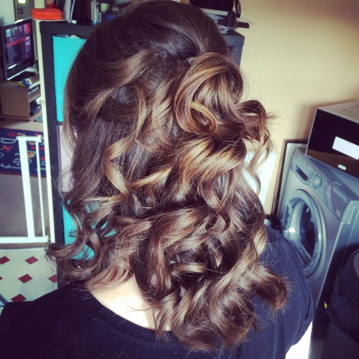 Simple Curly Wedding Hairstyle