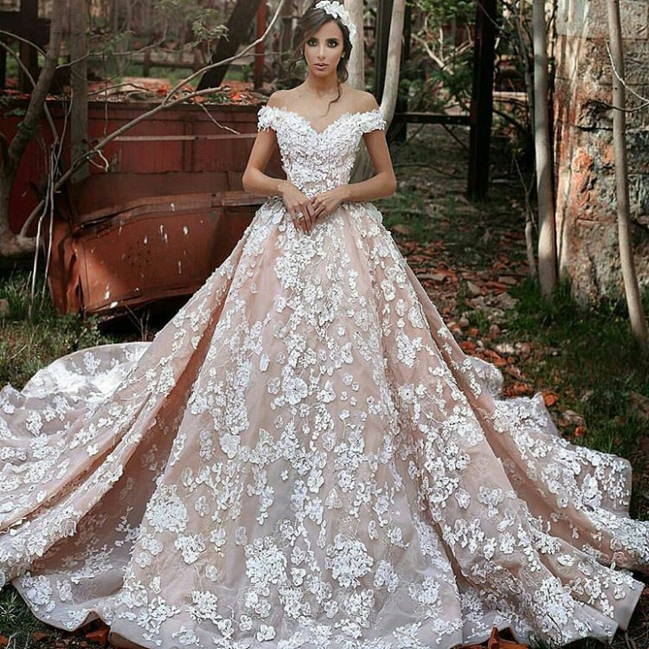 20+ Romantic Wedding Dress Designs, Ideas