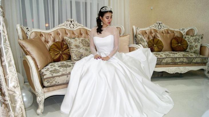 fantastic wedding dress for bride