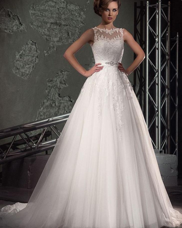 lace wedding dress design