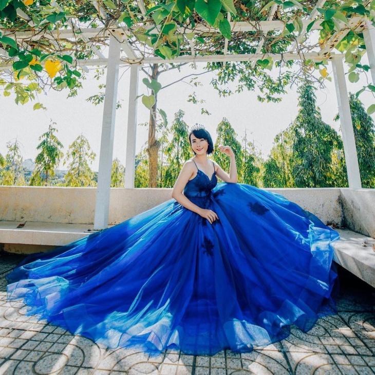 blue colored wedding dress ideas