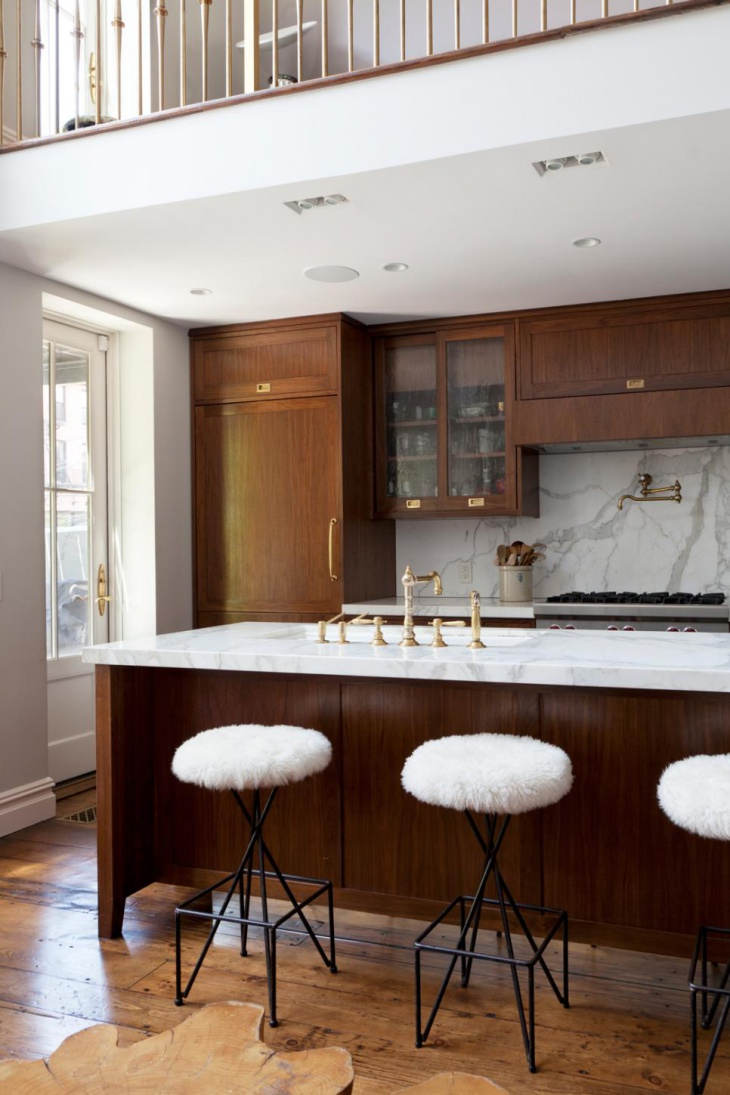 Stunning countertop and backsplash in Kitchen