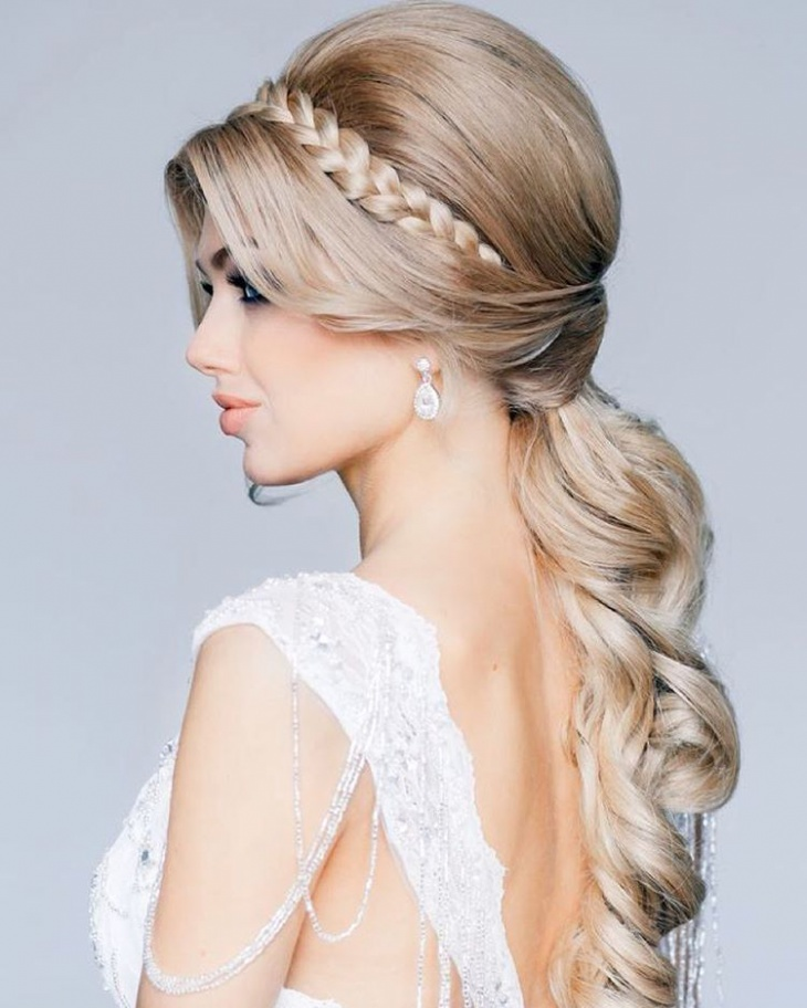 Wedding Updo Hairstyle for Medium Hair