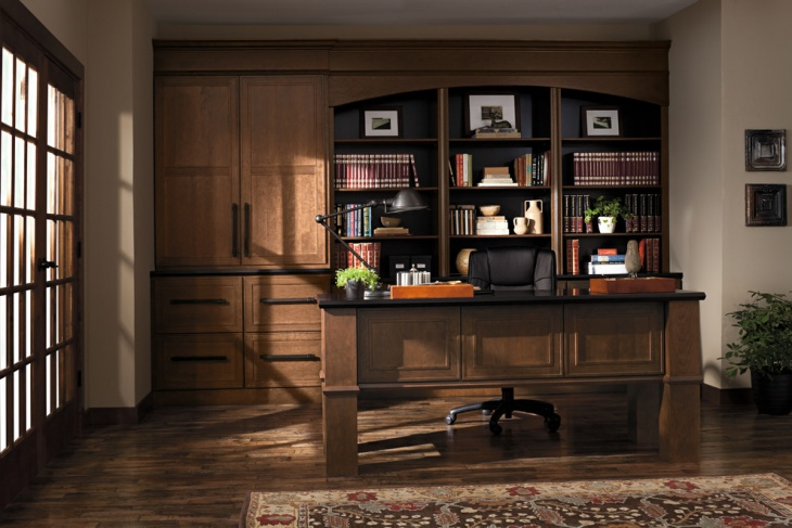 traditional home office gives royal look