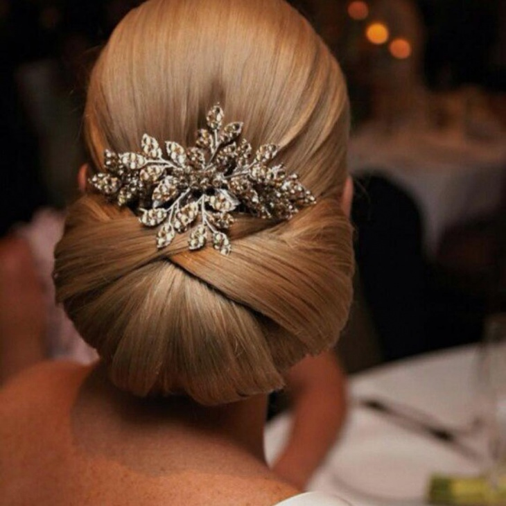 Elegant Classic Wedding Hairstyle