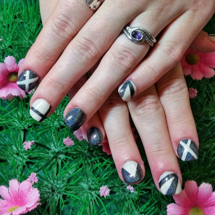 Geometric Nail Design for Short Nails